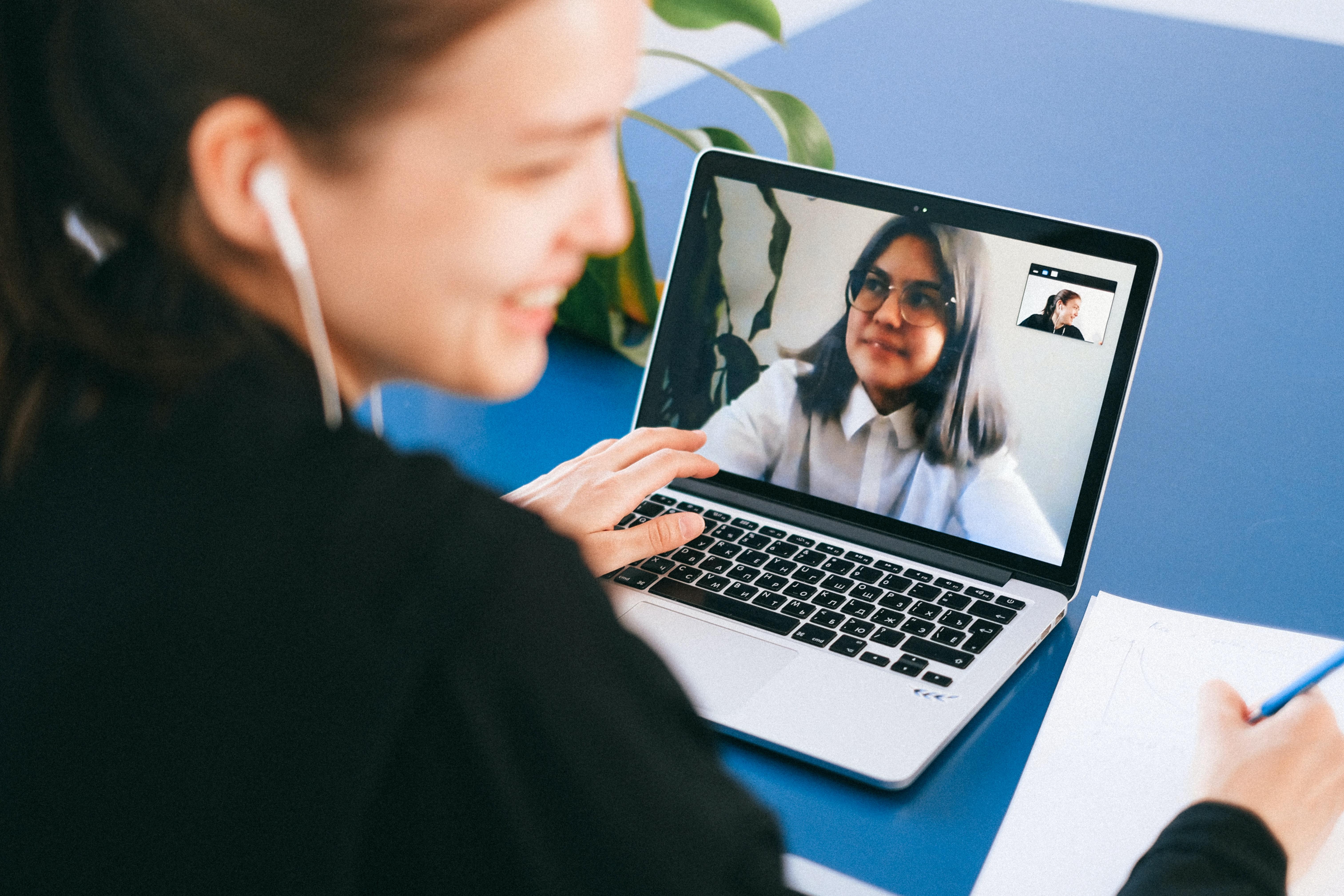 Online Erstkontaktgespräch